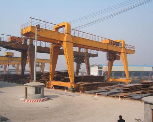 heavy duty remote control gantry crane for sale