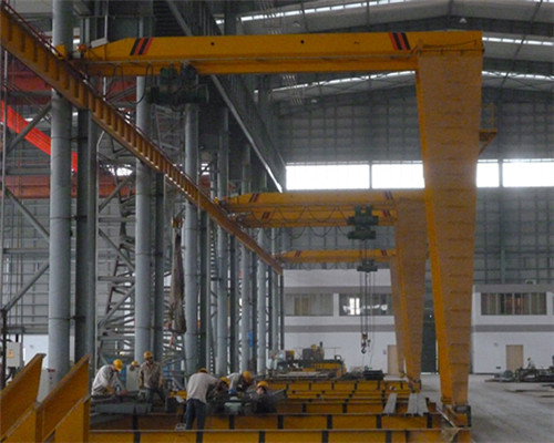 Single leg gantry crane with low price for sale