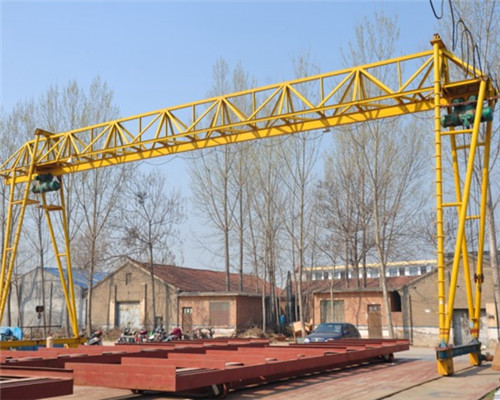 4 ton crane in box and truss structure for sale